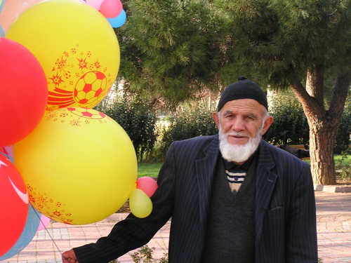 goztepe-balloon-man.jpg