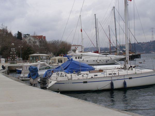 boats-along-the-bosphorus.jpg