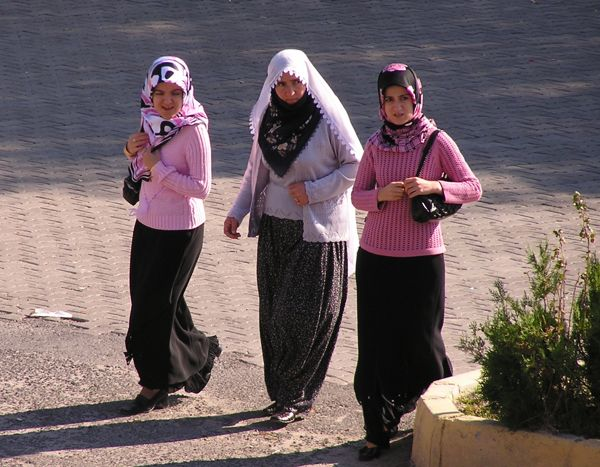 goreme-scarf-fashions.jpg