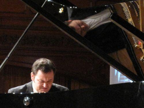 Albert Hall pianist-2