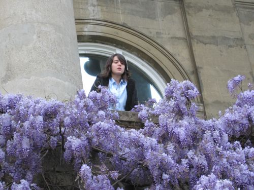 Juliet on the Wisteria balcony